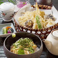 胡麻茶漬けと天ぷらの定食